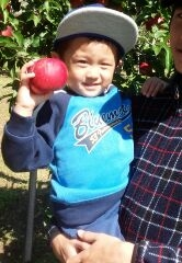 三男とりんご
