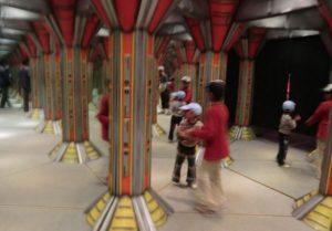 東武動物公園の鏡の迷路