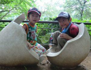 多摩動物園の卵のオブジェ